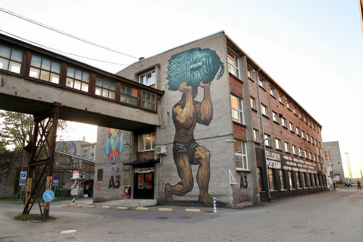 Tallinn-Kalevipoeg by Bonar-Telliskivi Creative City Images.jpg.1200x800_q85.jpg