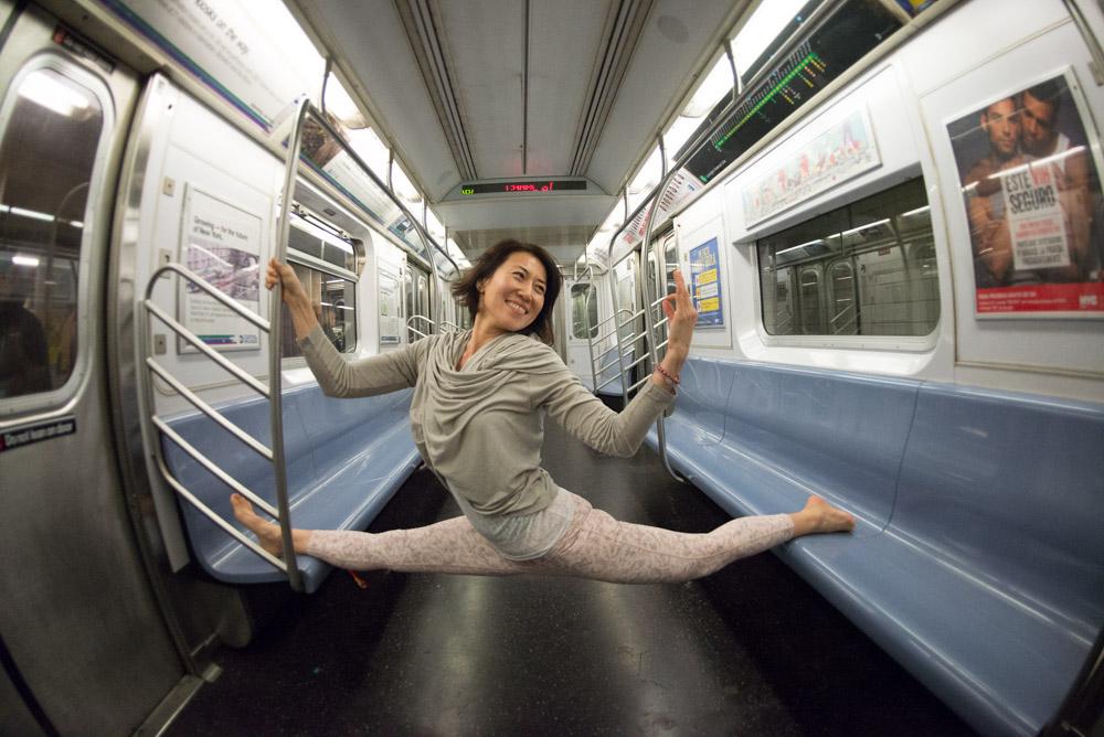 yoga-photo-nyc-subway.jpg