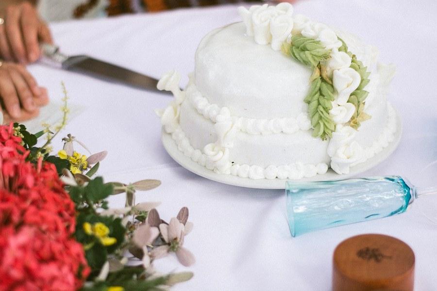 Cake - Fiji Wedding - Remote REsort.JPG