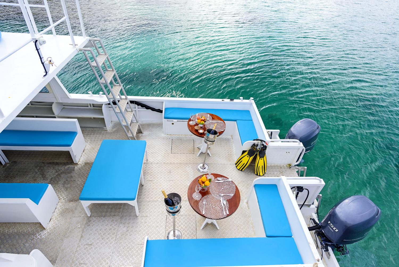 Remote Resort Fiji Islands Snorkel Boat Rainbow Reef.jpg