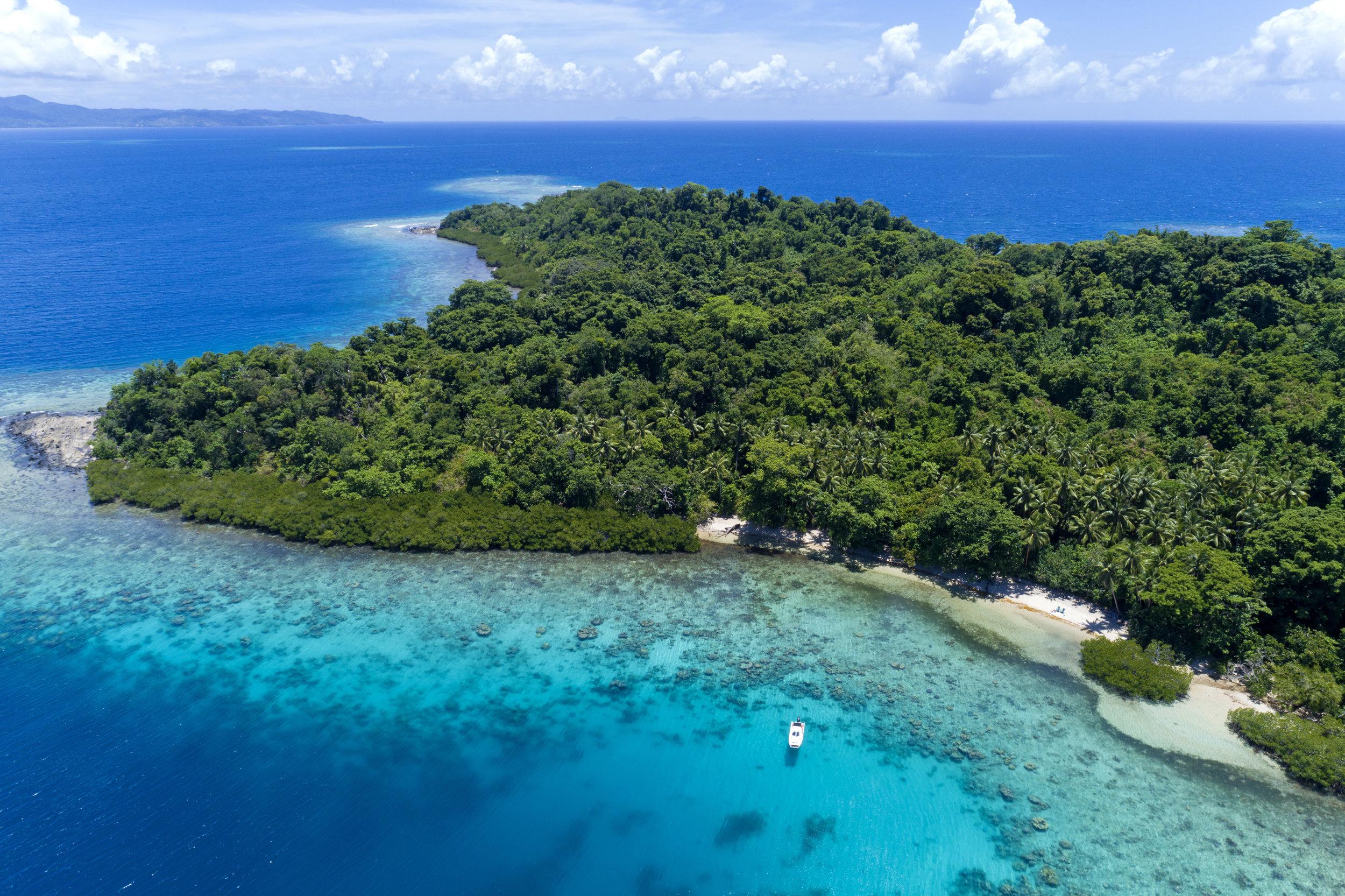 Fiji Luxury Resort Castaway Beach Day1.jpg