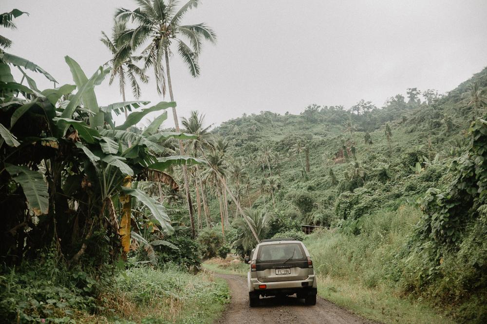 937-taveuni-elopement-photographer-fiji-kama-catch-me.jpg