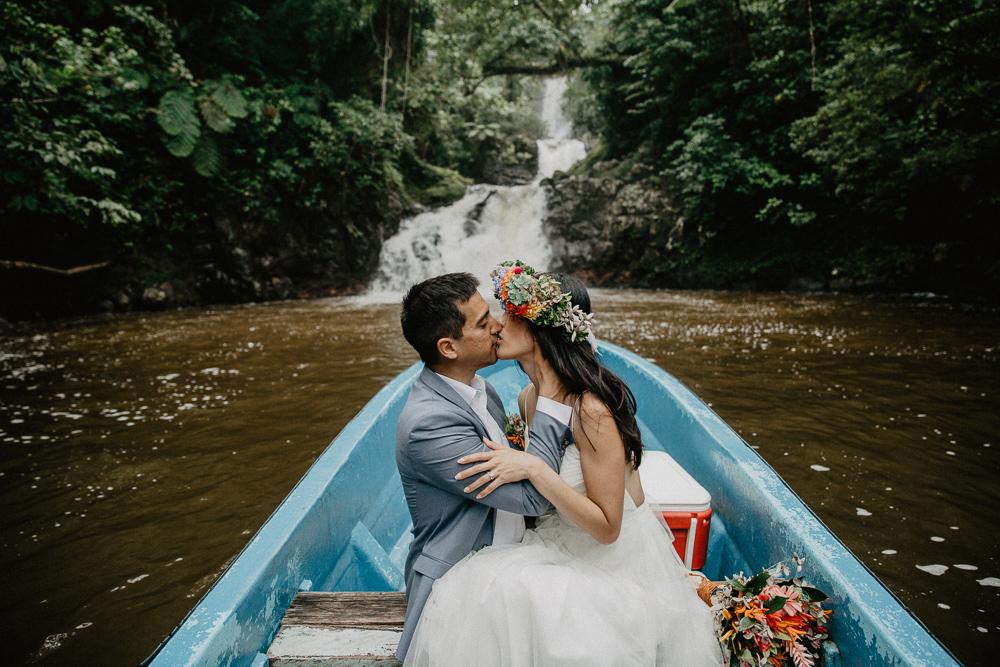 975-taveuni-elopement-photographer-fiji-kama-catch-me.jpg