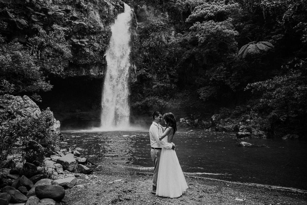 985-taveuni-elopement-photographer-fiji-kama-catch-me.jpg