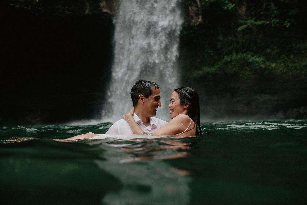 995-taveuni-elopement-photographer-fiji-kama-catch-me.jpg