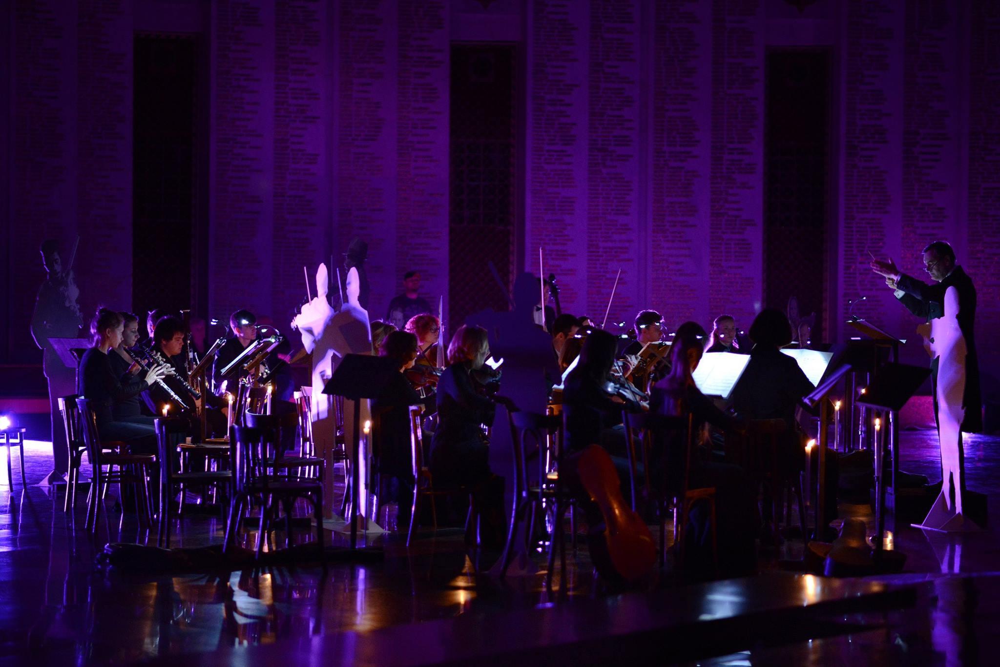 В конце каждой экскурсионной программы прозвучит Симфония №45 («Прощальная») Йозефа Гайдна в исполнении Московского камерного оркестра «Времена года».