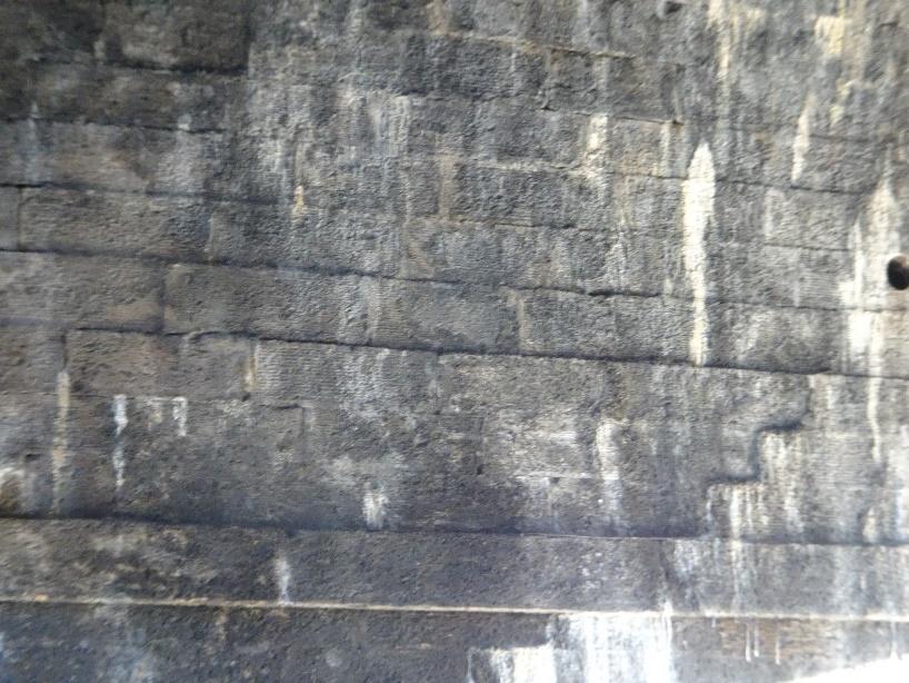 bom-91-south-bridge-edinburgh-12.jpg