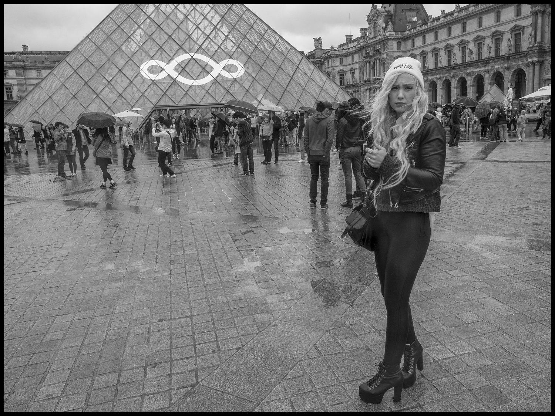 085 - Turnley Paris Tuesday py-.jpg