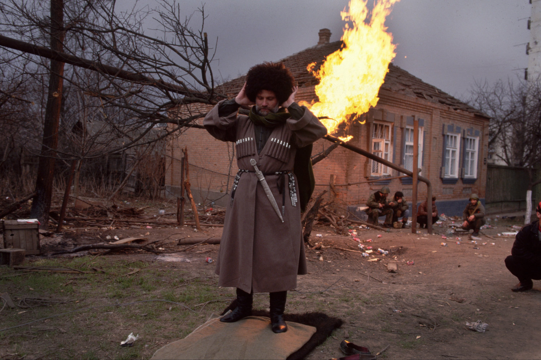 "Grozny, Chechnya, 1995<span class=""photo-essays-link""><span class=""separator"">・</span><a href=""/photo-essays"">Photo-essays</a></span>"