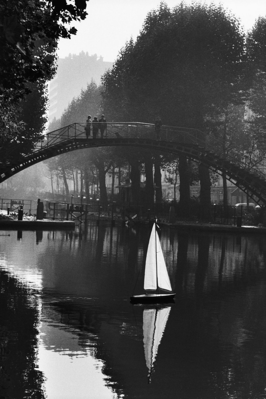 "Paris, France, 1984<span class=""photo-essays-link""><span class=""separator"">・</span><a href=""/photo-essays"">Photo-essays</a></span>"