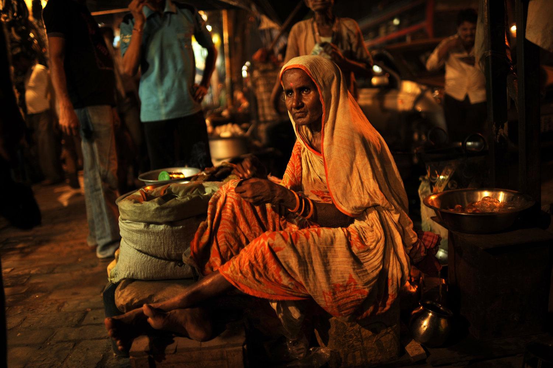 "Kolkata, India, 2011<span class=""photo-essays-link""><span class=""separator"">・</span><a href=""/photo-essays"">Photo-essays</a></span>"