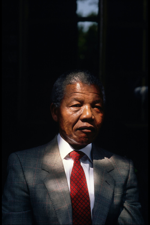 "Mandela, 1990<span class=""photo-essays-link""><span class=""separator"">・</span><a href=""/photo-essays"">Photo-essays</a></span>"