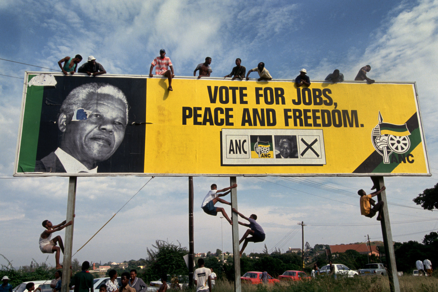 """First free elections. South Africa, 1994.<span class=""""photo-essays-link""""><span class=""""separator"""">・</span><a href=""""/photo-essays"""">Photo-essays</a></span>"""