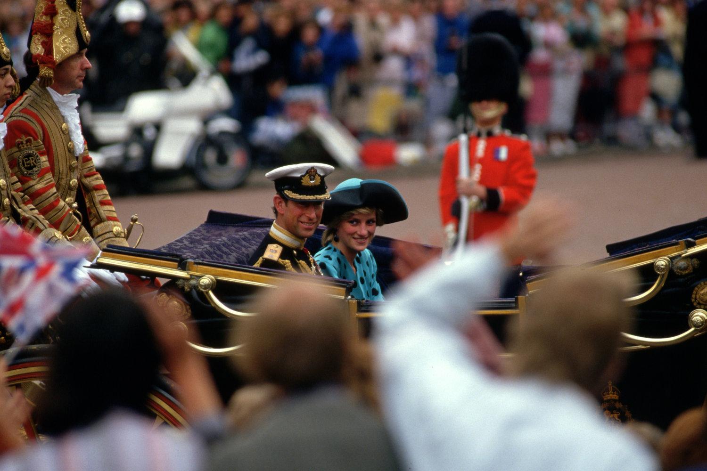"London, England, 1986.<span class=""photo-essays-link""><span class=""separator"">・</span><a href=""/photo-essays"">Photo-essays</a></span>"