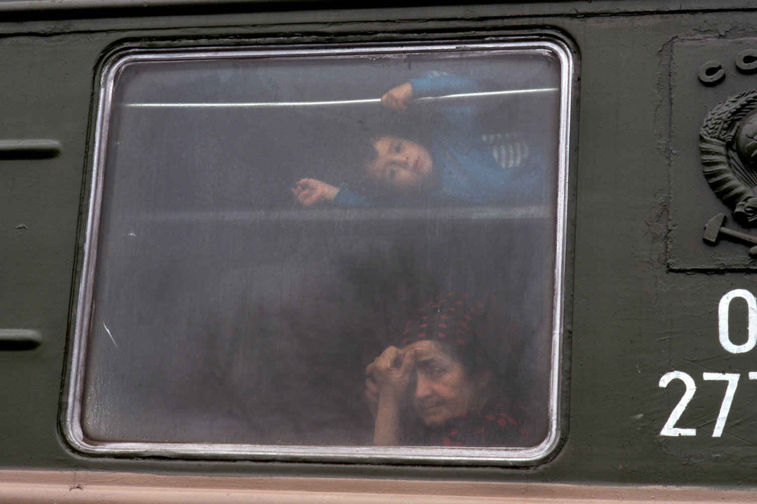 """Chechen refugees. 1994.<span class=""""photo-essays-link""""><span class=""""separator"""">・</span><a href=""""/photo-essays"""">Photo-essays</a></span>"""