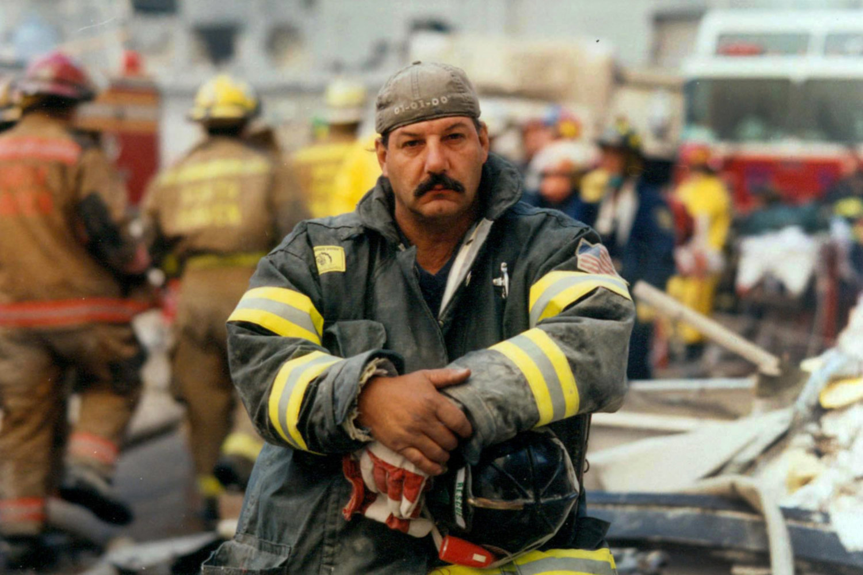 "Ground Zero, New York City, 2001<span class=""photo-essays-link""><span class=""separator"">・</span><a href=""/photo-essays"">Photo-essays</a></span>"