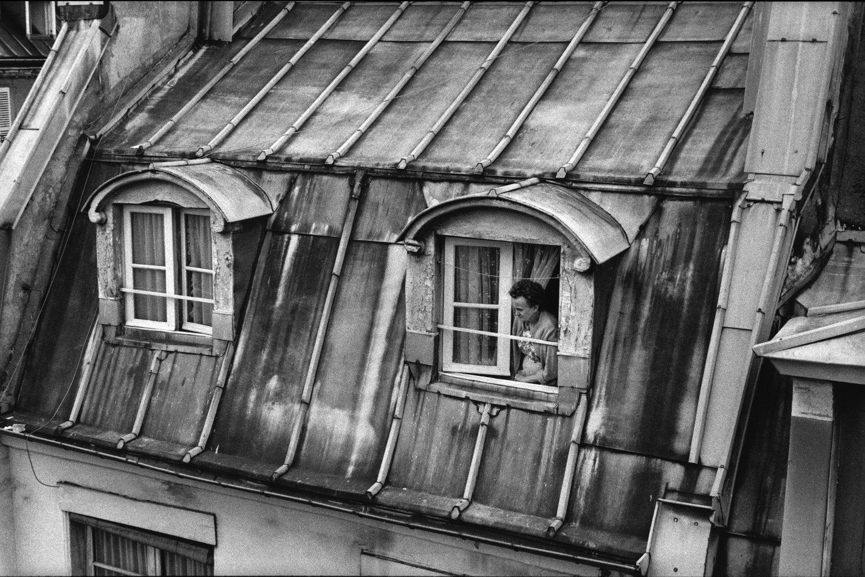 "Barbès-Rochechoart, 1982<span class=""photo-essays-link""><span class=""separator"">・</span><a href=""/photo-essays"">Photo-essays</a></span>"