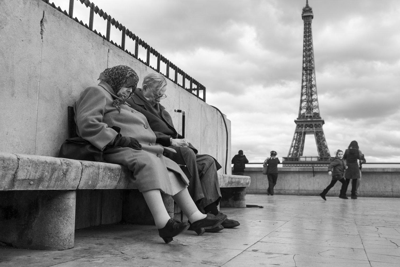 """Esplanade de Trocadero, 2012<span class=""""photo-essays-link""""><span class=""""separator"""">・</span><a href=""""/photo-essays"""">Photo-essays</a></span>"""