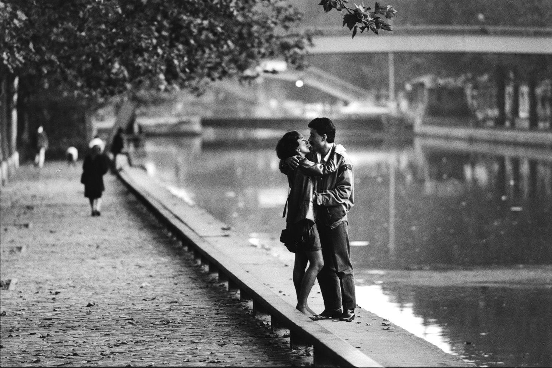 """Canal Saint-Martin, 1984<span class=""""photo-essays-link""""><span class=""""separator"""">・</span><a href=""""/photo-essays"""">Photo-essays</a></span>"""