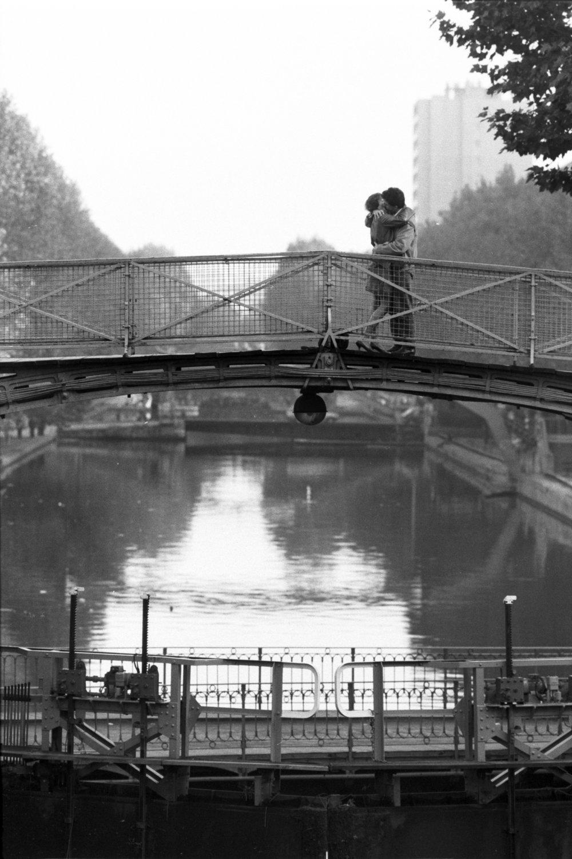 "Paris, 1984<span class=""photo-essays-link""><span class=""separator"">・</span><a href=""/photo-essays"">Photo-essays</a></span>"