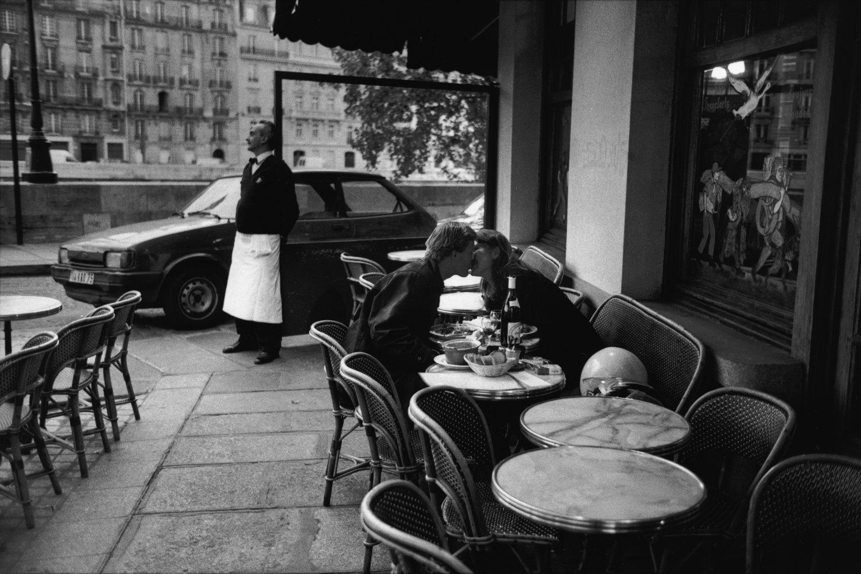 "Café, 1997<span class=""photo-essays-link""><span class=""separator"">・</span><a href=""/photo-essays"">Photo-essays</a></span>"