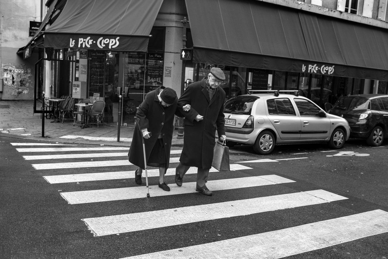 "Rue Vielle du Temple, 2013<span class=""photo-essays-link""><span class=""separator"">・</span><a href=""/photo-essays"">Photo-essays</a></span>"