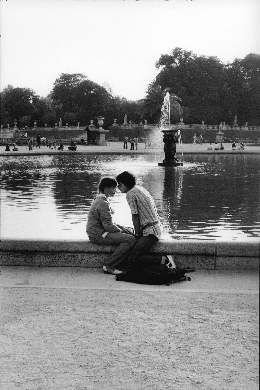 "Paris, 1978-84<span class=""photo-essays-link""><span class=""separator"">・</span><a href=""/photo-essays"">Photo-essays</a></span>"