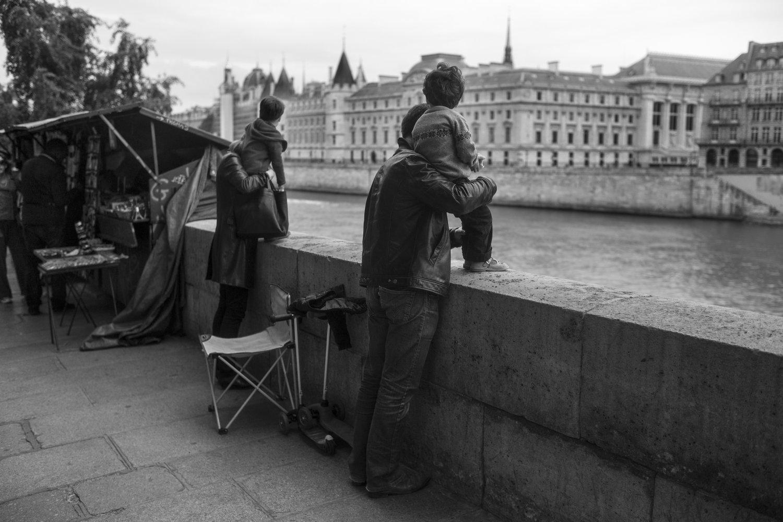 "The Seine, 1984<span class=""photo-essays-link""><span class=""separator"">・</span><a href=""/photo-essays"">Photo-essays</a></span>"