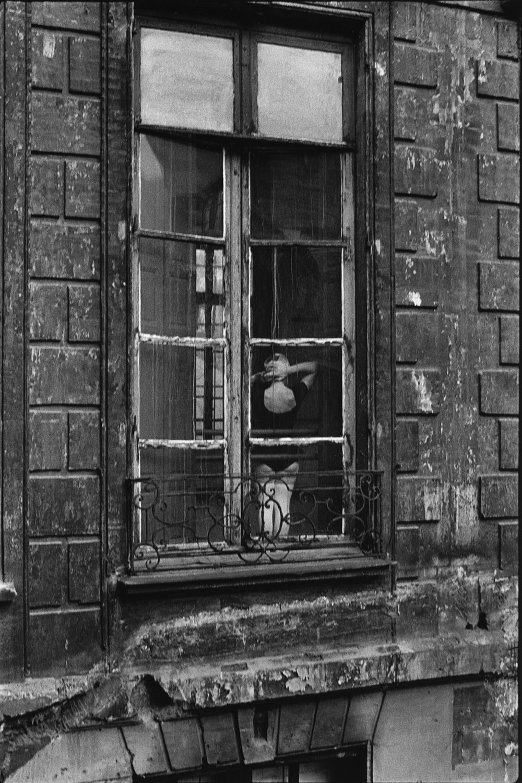 "The Marais, rue du Temple, 1975<span class=""photo-essays-link""><span class=""separator"">・</span><a href=""/photo-essays"">Photo-essays</a></span>"