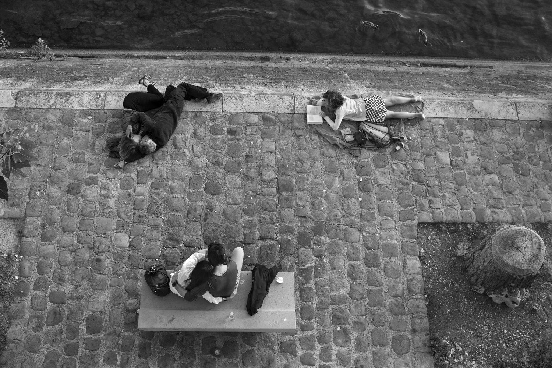 """Ile Saint-Louis, 2012<span class=""""photo-essays-link""""><span class=""""separator"""">・</span><a href=""""/photo-essays"""">Photo-essays</a></span>"""