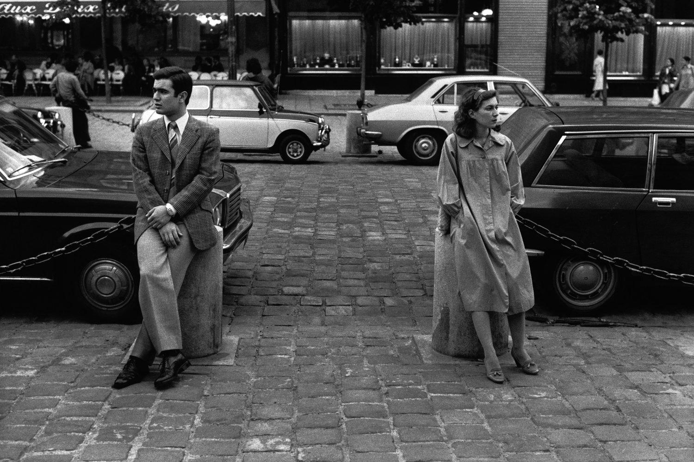 """Saint Germain des Prés, 1980<span class=""""photo-essays-link""""><span class=""""separator"""">・</span><a href=""""/photo-essays"""">Photo-essays</a></span>"""