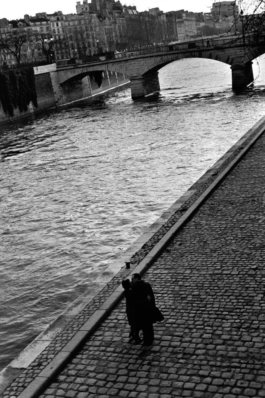 "Paris, 1981<span class=""photo-essays-link""><span class=""separator"">・</span><a href=""/photo-essays"">Photo-essays</a></span>"