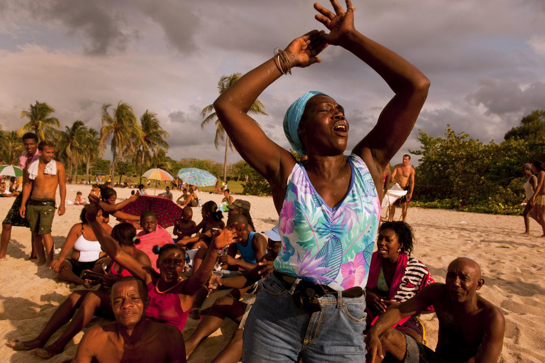 """Havana, Cuba, 2013<span class=""""photo-essays-link""""><span class=""""separator"""">・</span><a href=""""/photo-essays"""">Photo-essays</a></span>"""