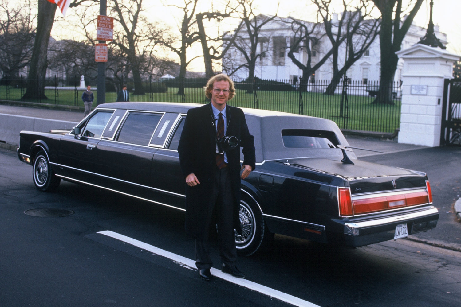 "The White House, Washington, D.C., 1990<span class=""photo-essays-link""><span class=""separator"">・</span><a href=""/photo-essays"">Photo-essays</a></span>"