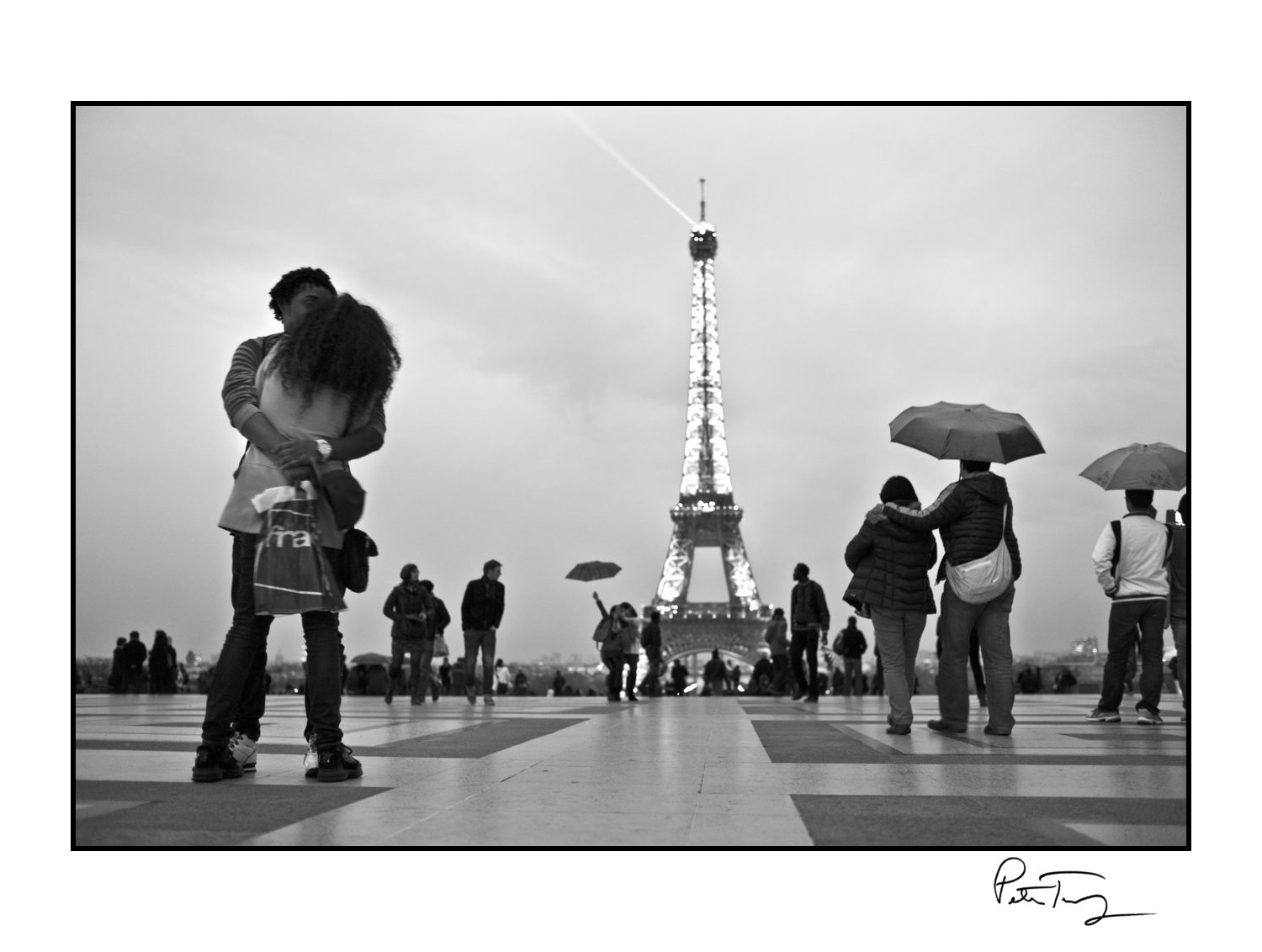 "ID #82・Paris, 2013<span class=""print-link""><span class=""separator"">・</span><a onclick='document.getElementsByClassName(""sqs-lightbox-close"")[0].click();'>Thumbnails</a></span>"