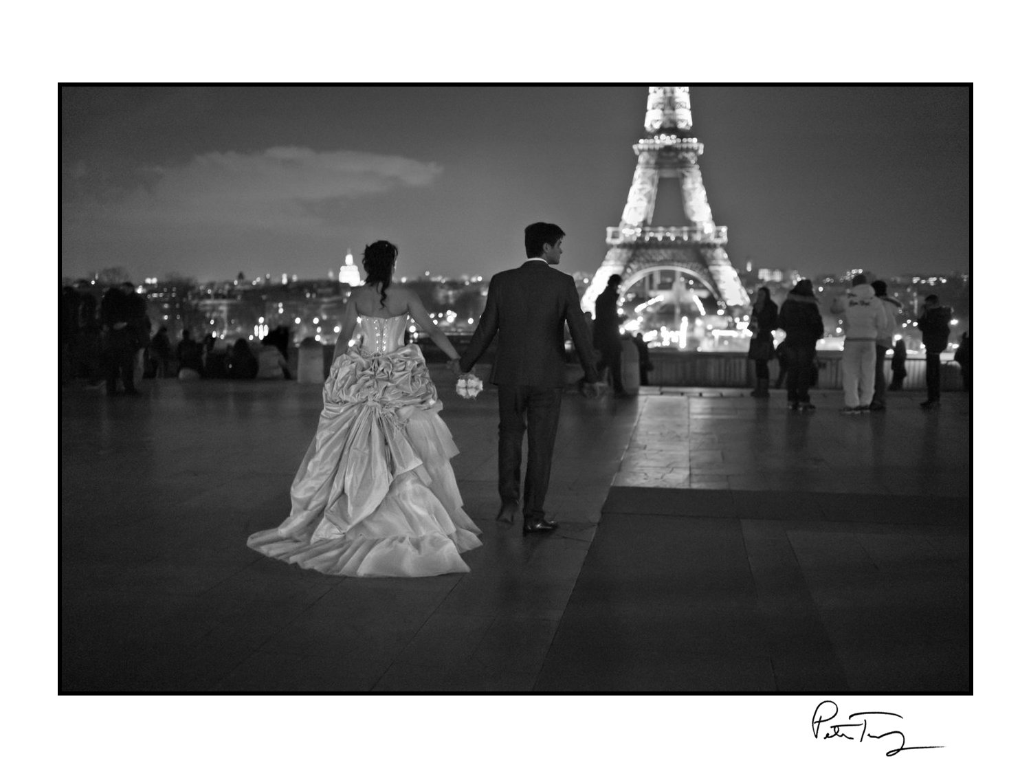 "ID #81・Paris, 2013<span class=""print-link""><span class=""separator"">・</span><a onclick='document.getElementsByClassName(""sqs-lightbox-close"")[0].click();'>Thumbnails</a></span>"