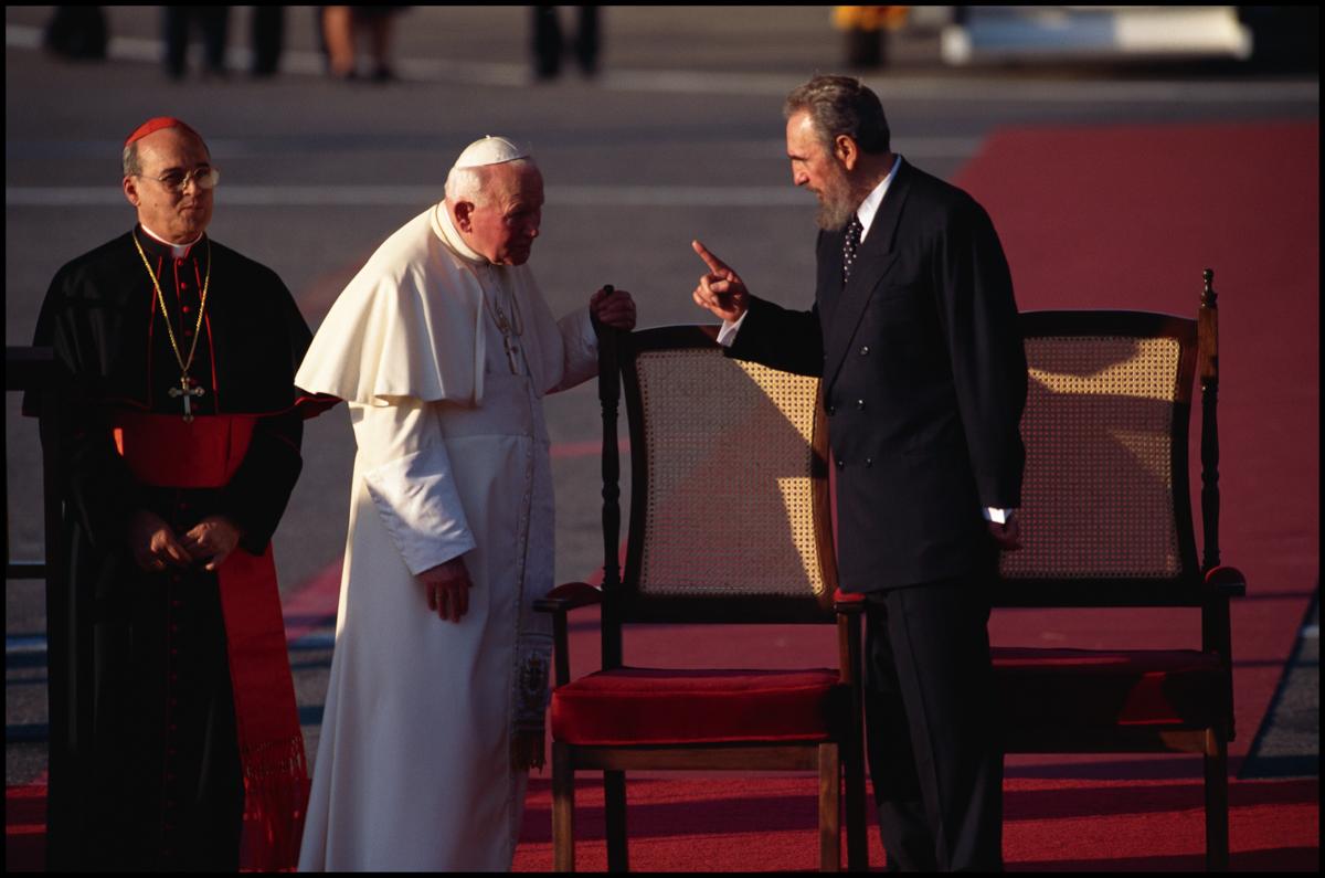 21 Jan 1998, Havana, Cuba --- Pope John Paul II and Fidel Castro
