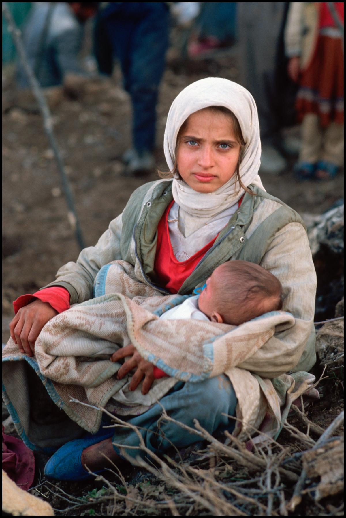 10 Apr 1991, Turkey --- Kurdish Refugee Mother and Child