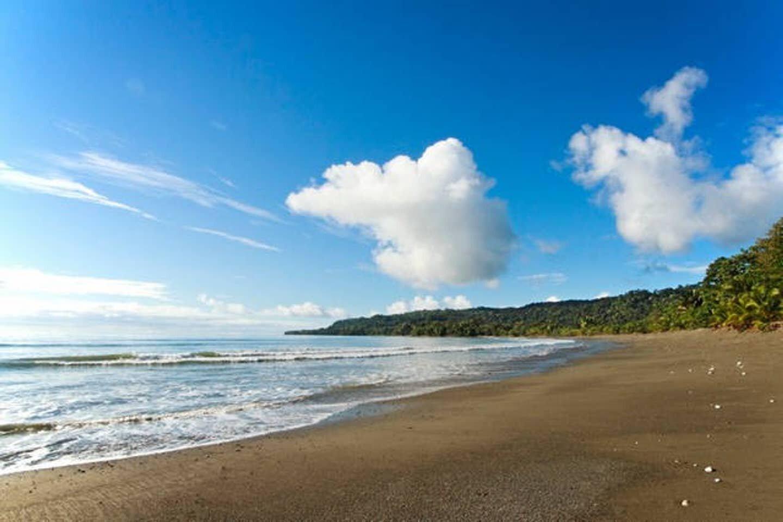 Playa Sombrero, Costa Rica.jpg