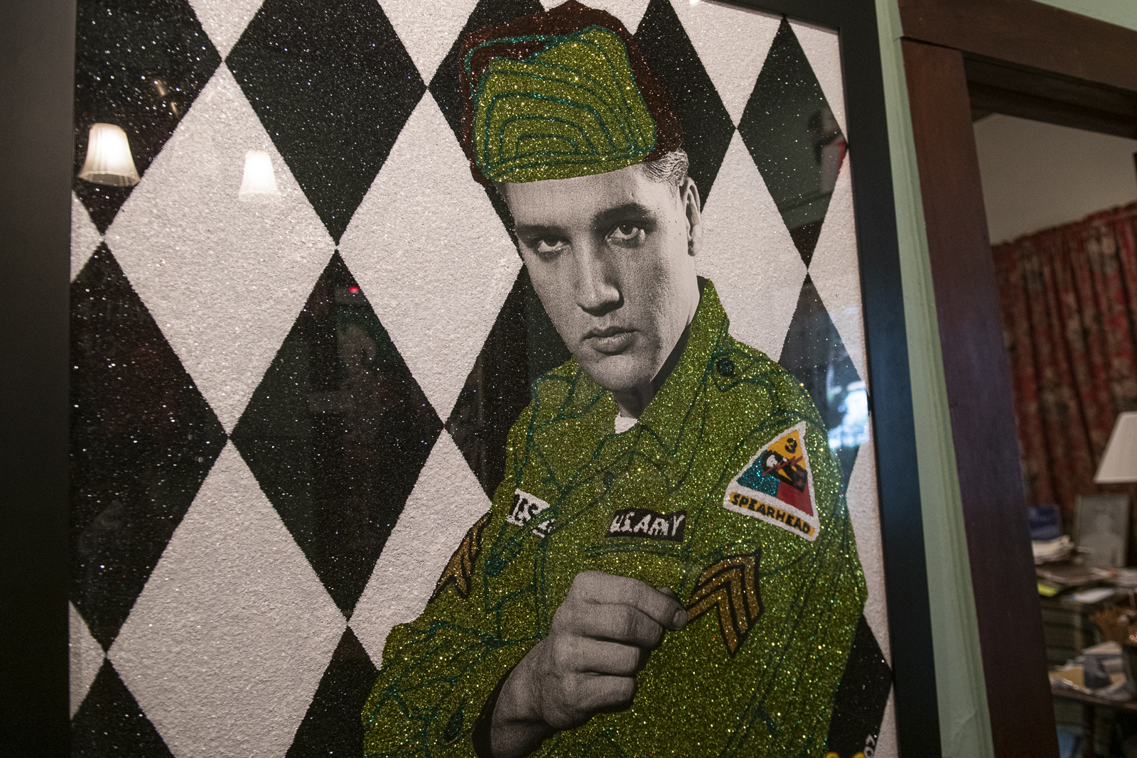 Joni_Mabe_Elvis_Museum_01.jpg