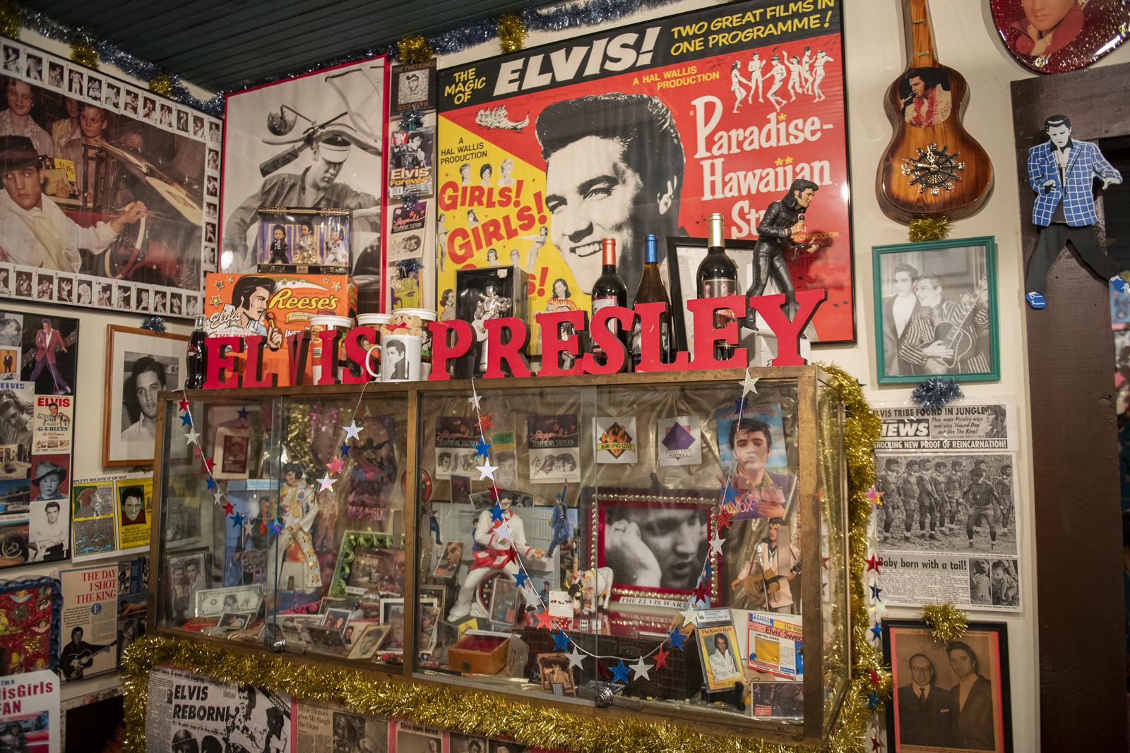 Joni_Mabe_Elvis_Museum_15.jpg