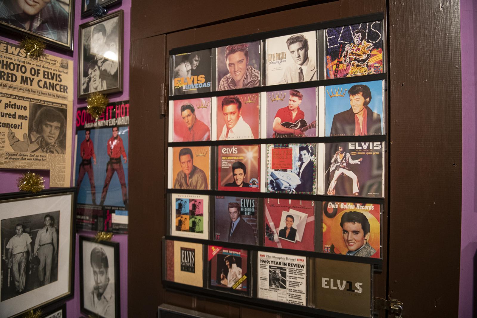 Joni_Mabe_Elvis_Museum_20.jpg