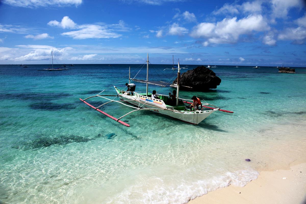 Diniwid beach, Boracay island.