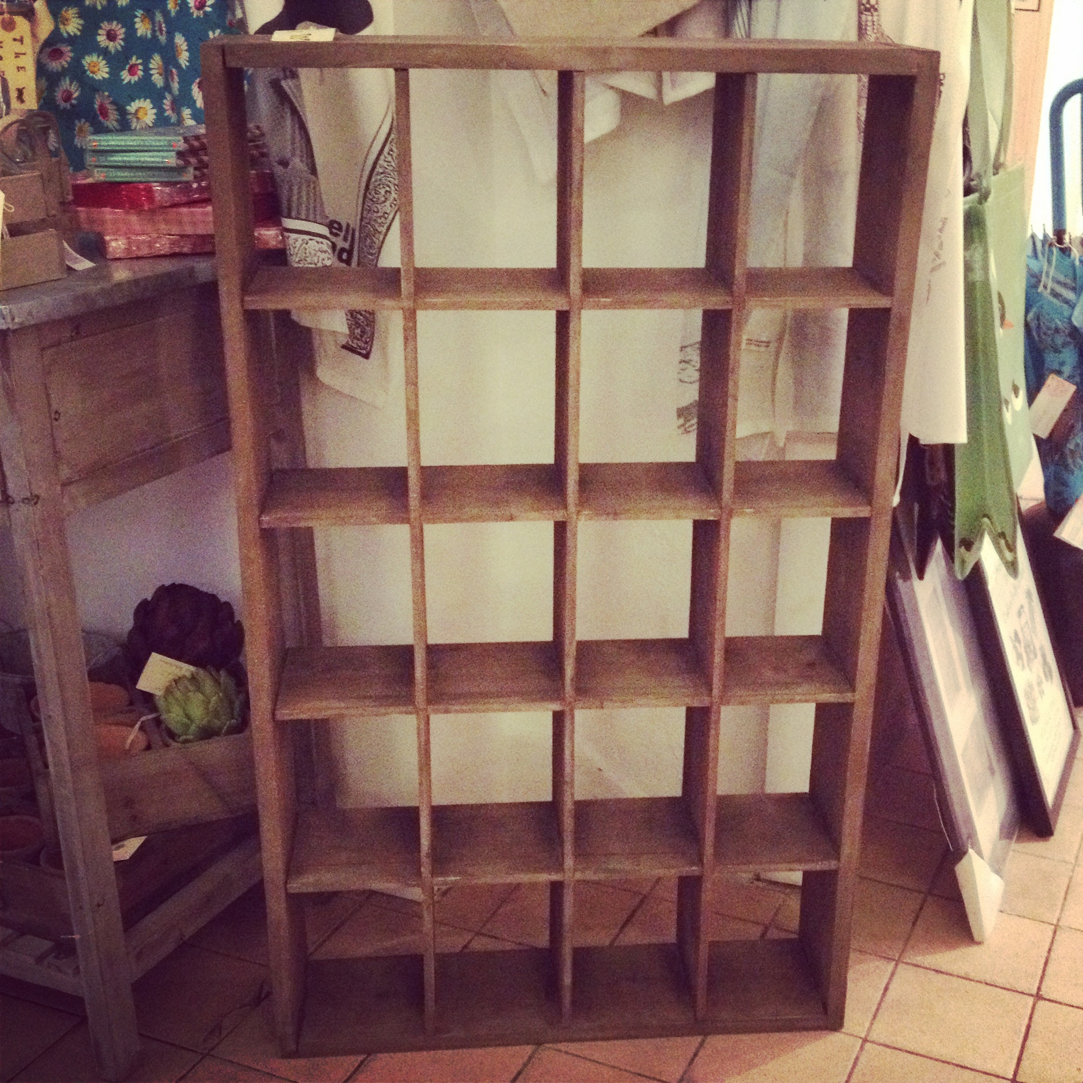 Wooden display unit 60x99x15 standing or wall mounted