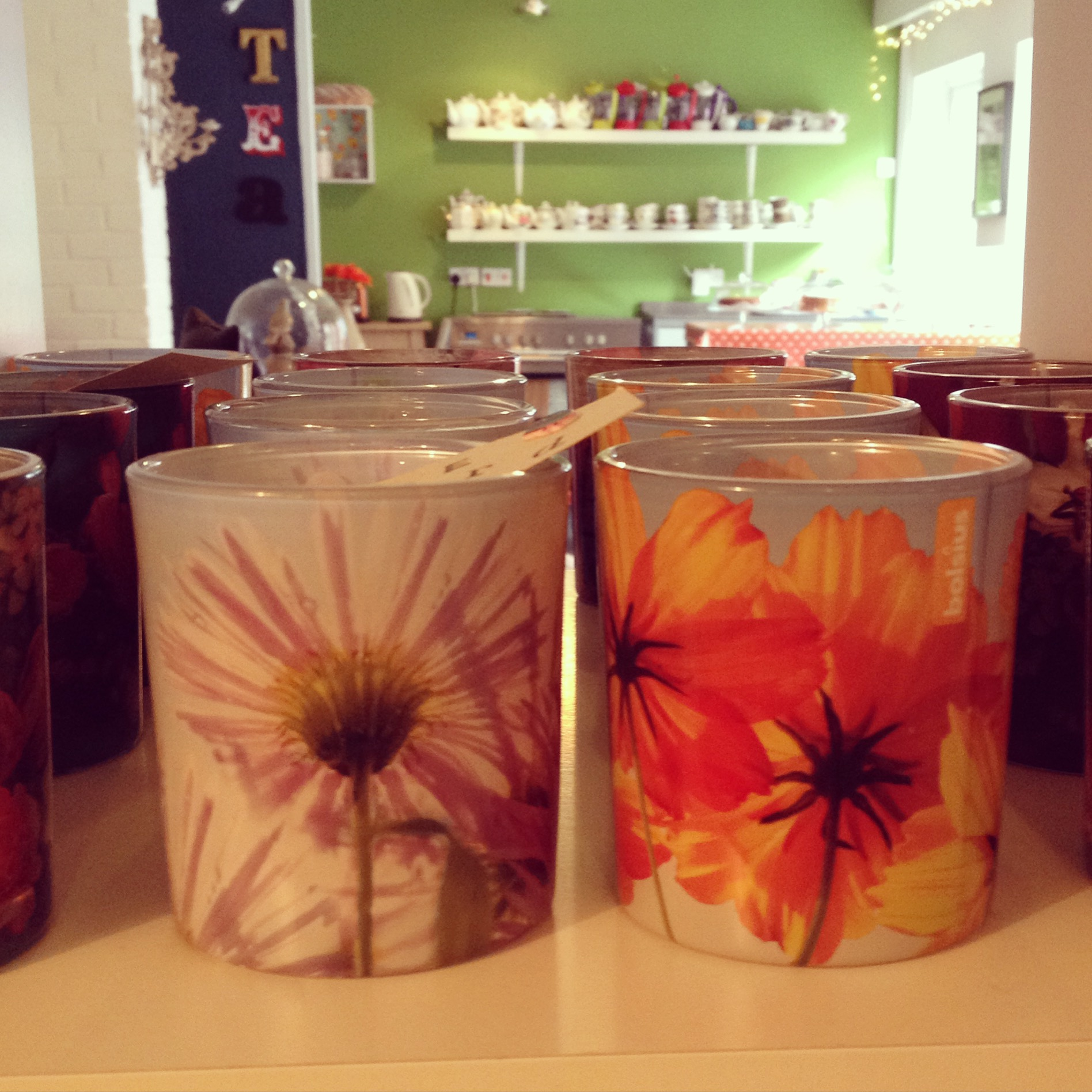 Summer scented candles make great gifts