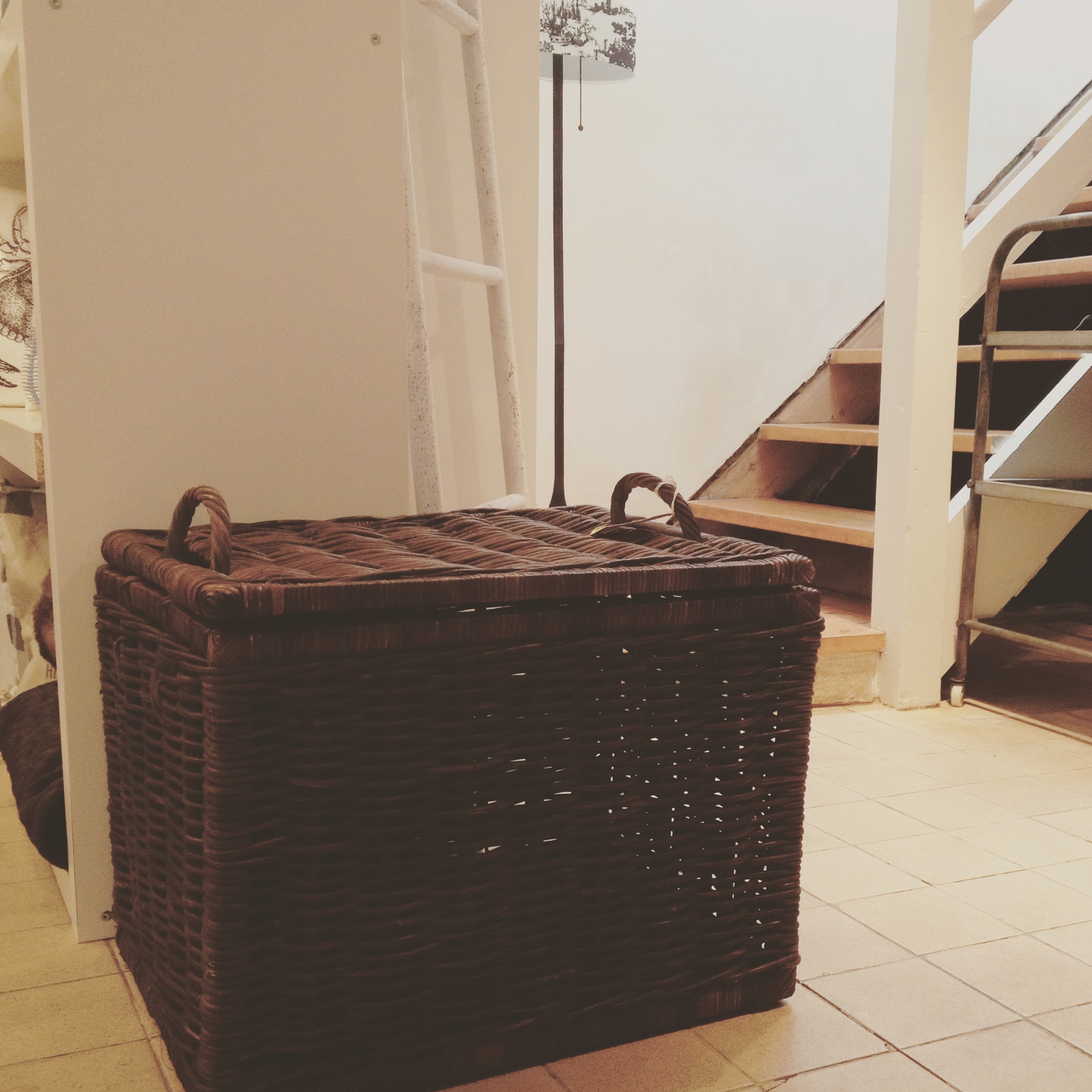 Large wicker storage box with lid