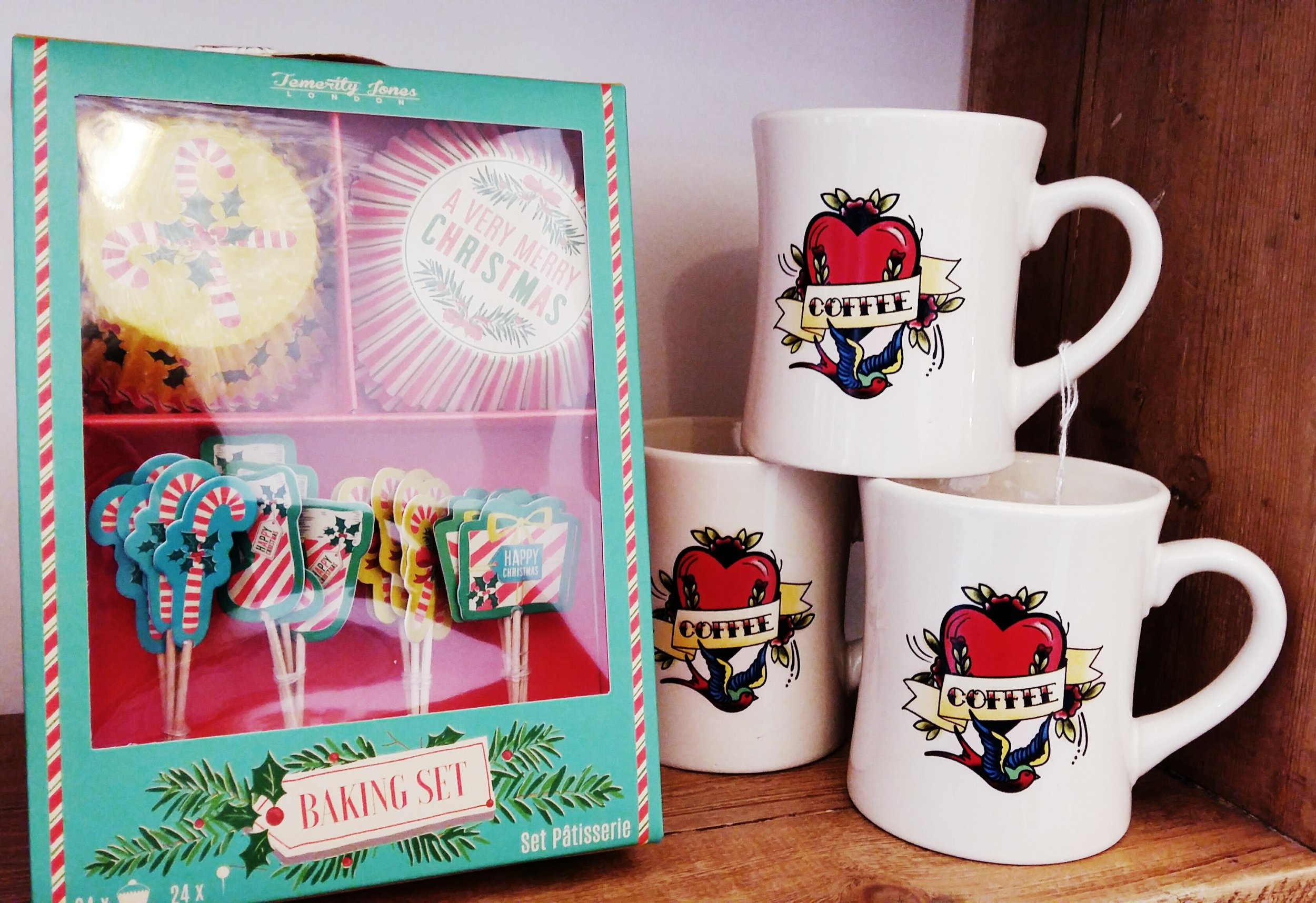 For budding bakers our baking set incudes a range of retro print cupcake cases and dec's