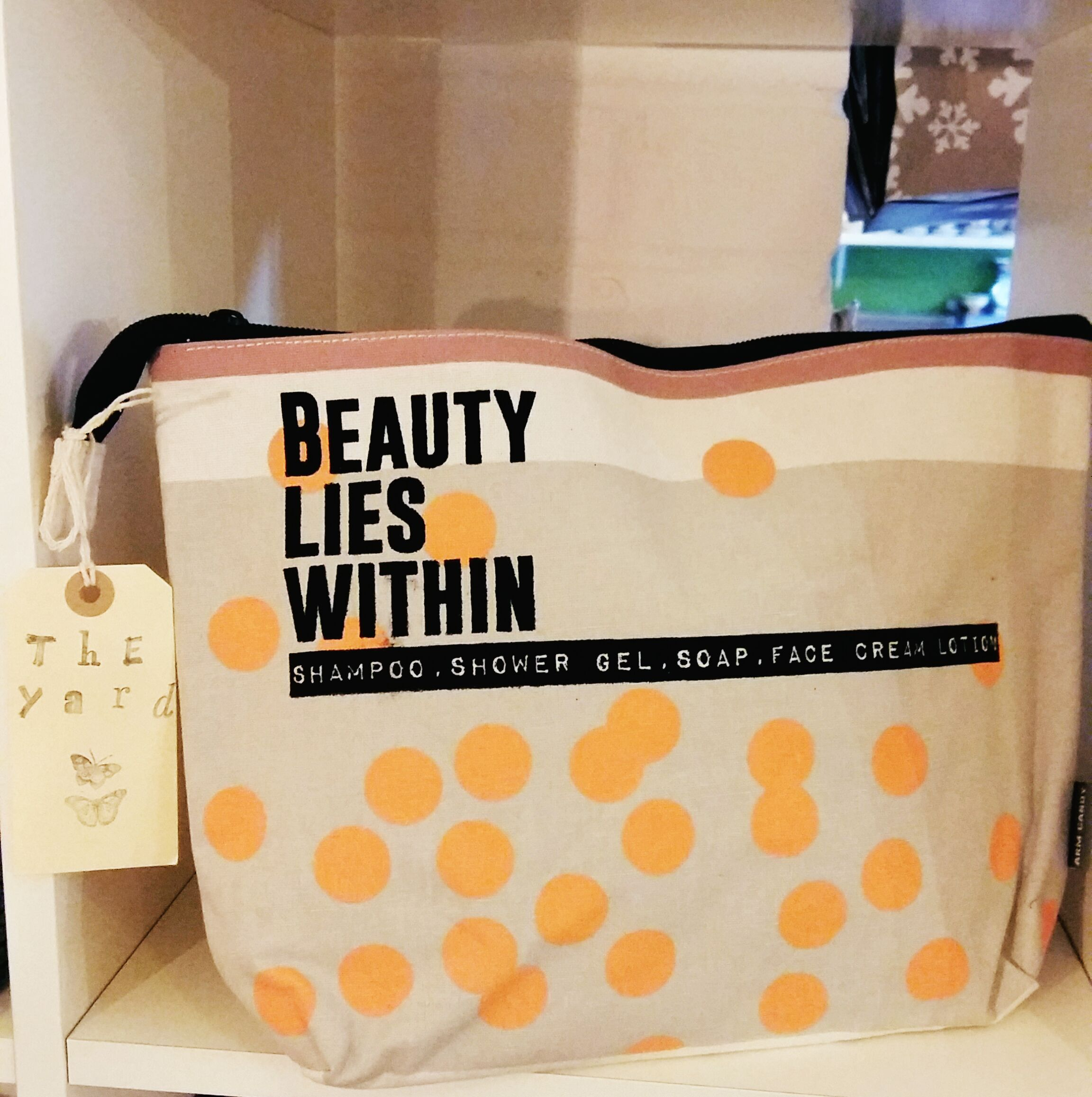 New wash bags and make up bags spots or geometric?
