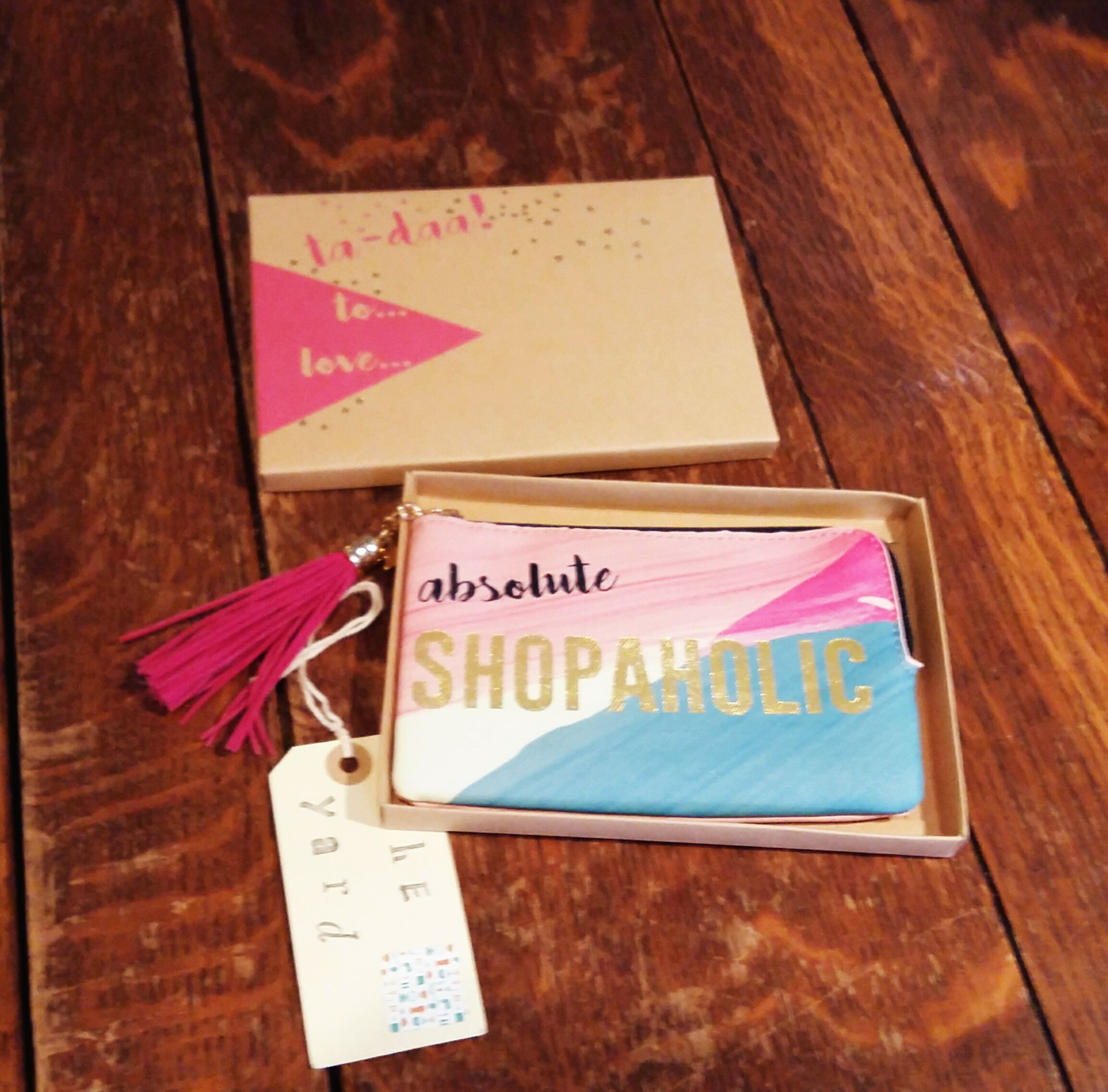 Shopaholic boxed purse makes a great present