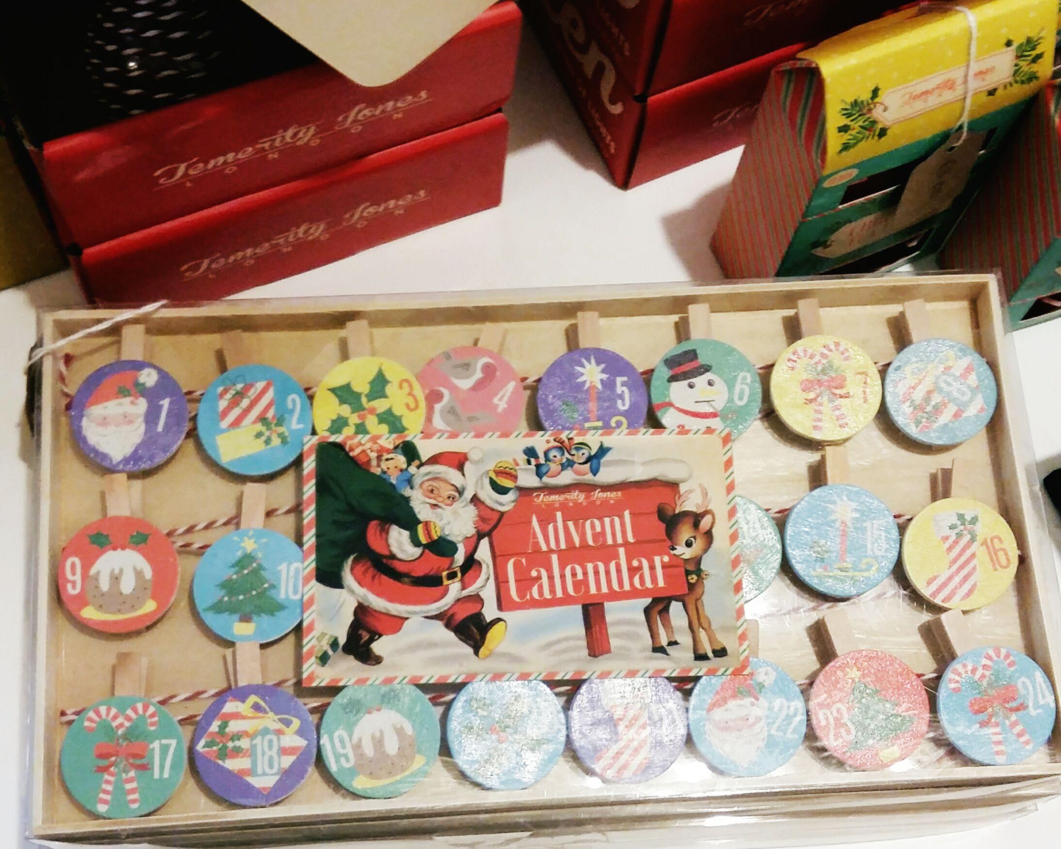 DIY advent calendar pegs